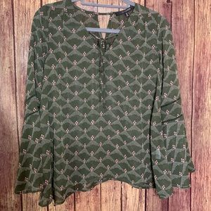 3/$25 19 Cooper Green Bell Sleeve Floral Blouse